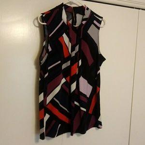 Zip back sleevless blouse
